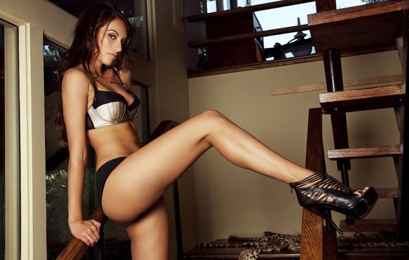 eroticheskie-fotografii-devushek-konchayushih-struey